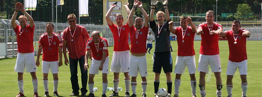 Das Team des IFC Sernow beim Pokalfinale 2013
